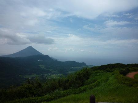 大野岳からの開聞岳。