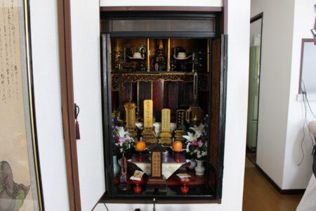 白木家の仏壇