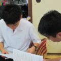 高校生や大学生などの若いボランティアさんも参加しています。