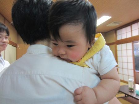 園田さんのお子さんの面倒を別の人が見て下さったり