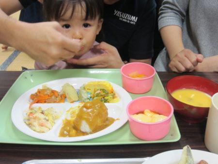 栄養と愛情たっぷりの食事を囲んで人の輪が溢れる子ども食堂