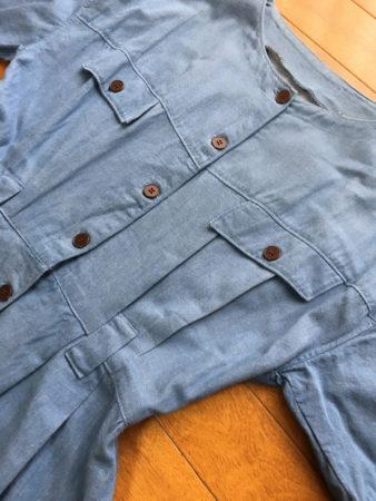 胸のポケットのデザインも凝っています。