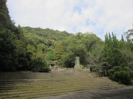室町時代初め、島津家第7代元久が建立
