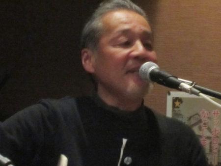 ベース担当の安藤正和さん(52)