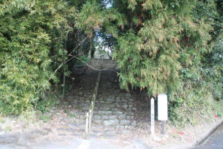 大乗寺跡に通じる石段