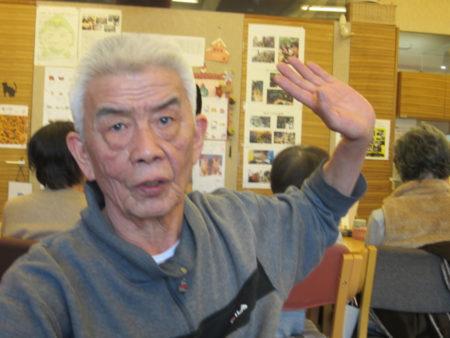 新名正興さん(75)