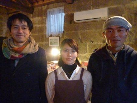 右から 窪壮一朗さん、菜つみさん、小村勇一さん