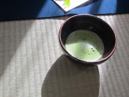 一服のお茶を頂きながら、先生との思い出が蘇ってきました。