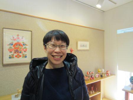 郷土玩具をちょこちょこ集めているという横山瑠美さん