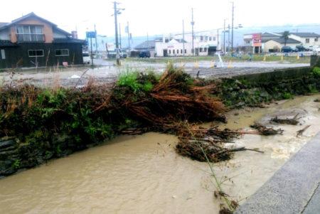 雨が降った時の通堂川