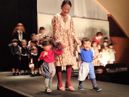 香蘭ファッションデザイン専門学校のファッションショーに息子さんと参加