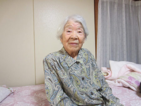 小平田ツルさん(96)