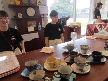 精神保健福祉士や社会福祉士など病院の専門職がカフェのスタッフです!