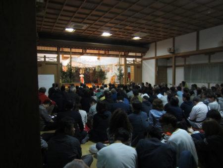 高千穂神社境内・神楽殿での高千穂神楽