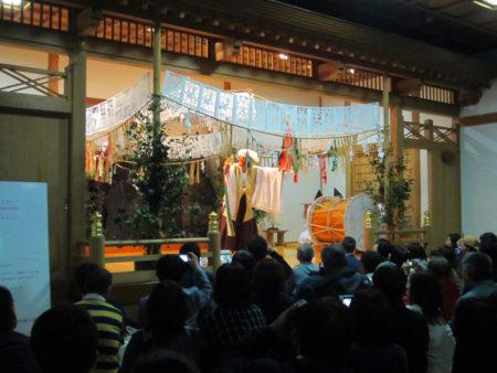 夜神楽三十三番の中から、四つの代表的な舞が公開されています。