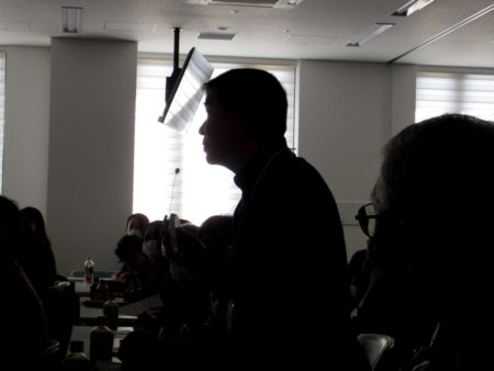「聴こえのセミナー」では、難聴に悩む人たちからの切実な声が次々に出されました。