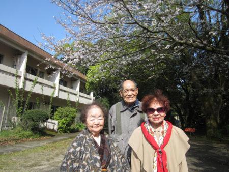 お散歩を楽しまれていた3人の入園者の方にお話を伺いました!