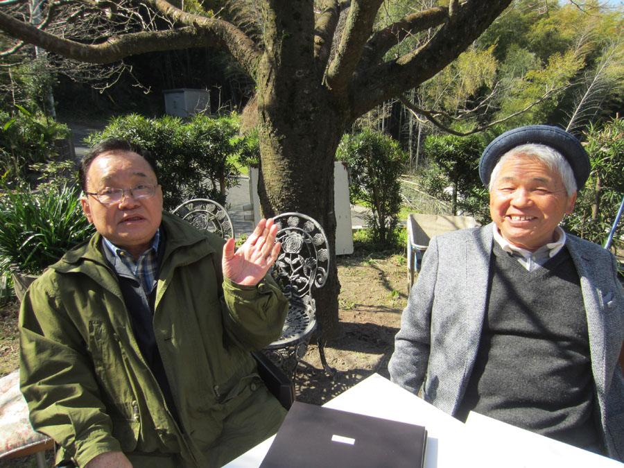 今年3月、入江さん(左)と久しぶりに鹿児島で再会 当時のことを振り返りながら…