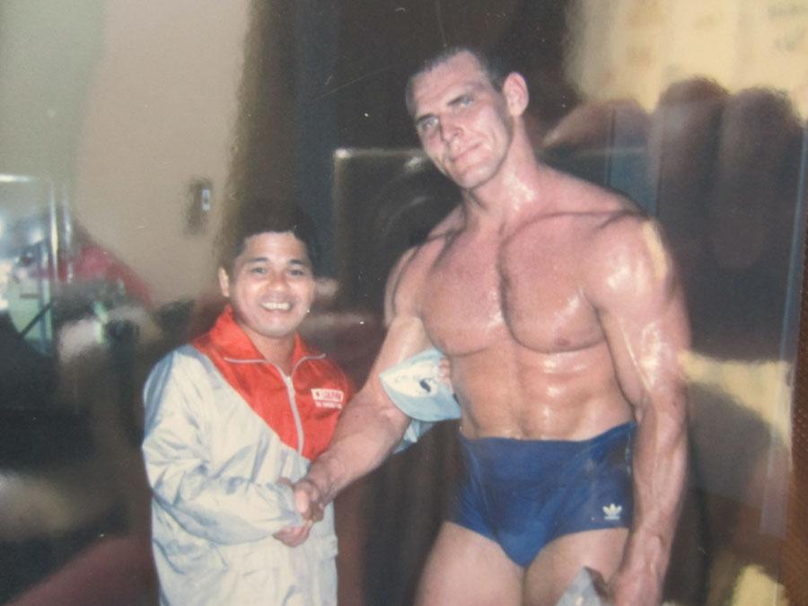 人類最強の男、アレクサンドル・カレリンと… (ソウル、バルセロナ、アトランタでのレスリング130キロ級・金メダリスト)