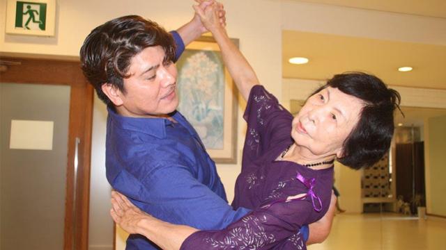 タンゴを踊りたい!今ならまだできるわ!御年85歳の華麗な舞