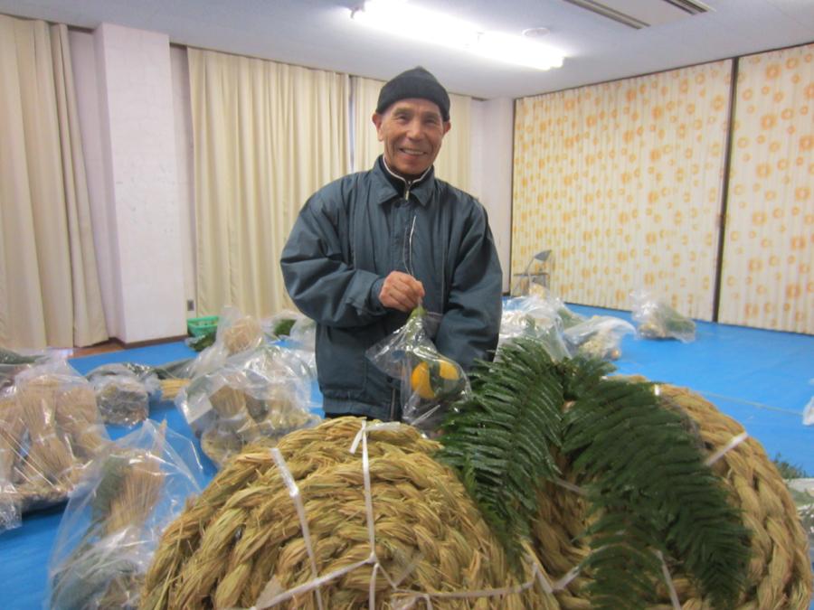 田中さんの20メートル大しめ縄も完成!(12月26日)