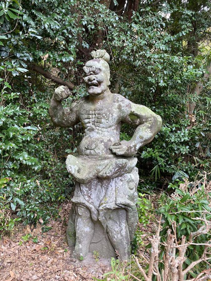 阿形相(蜜迹金剛)は石造彫刻の仁王像として唯一県指定の文化財