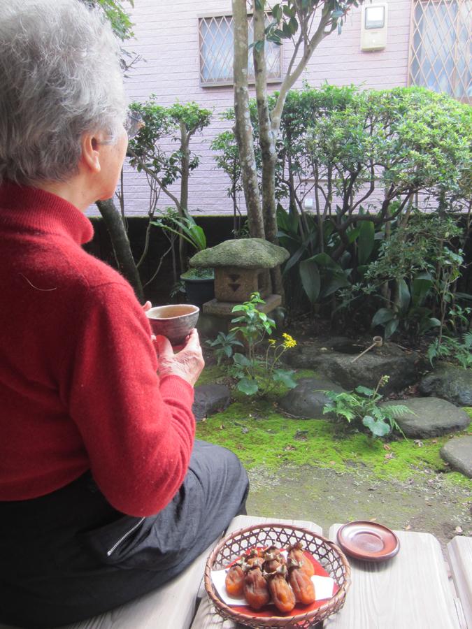 日向ぼっこしながらの干し柿お茶タイムは、最高だったね♪