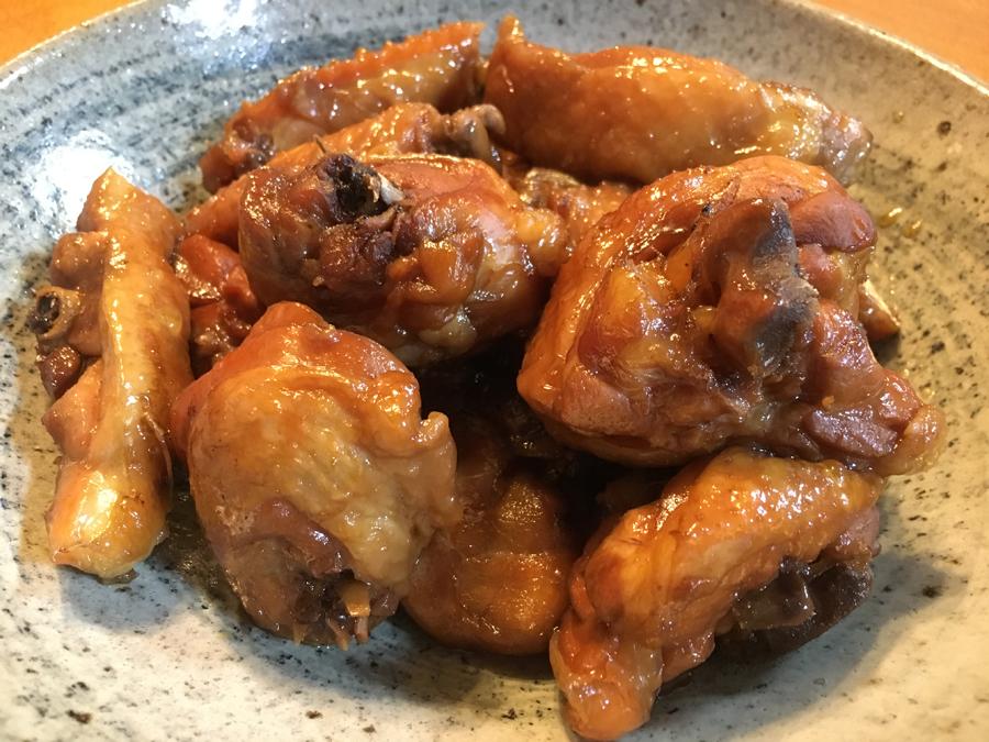 いつもお腹をすかせていた子供たちにとって、めったに食べられない鶏は格別に美味しいものでした。