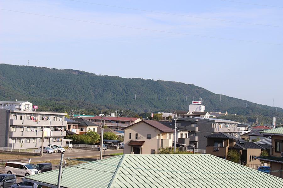 現在の薩摩川内市中郷町・・昔は田畑が広がり家は点在しているだけだった