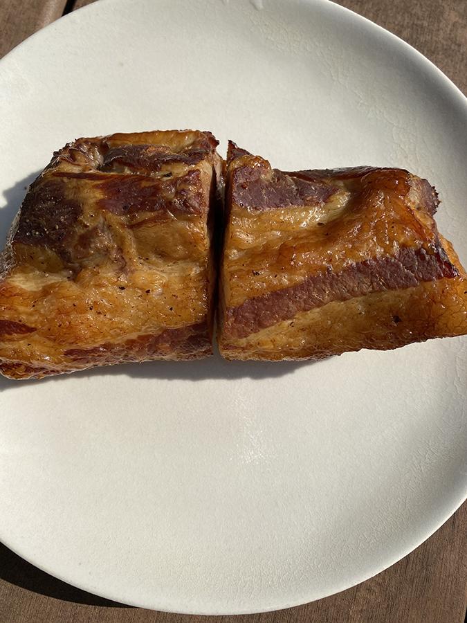 黒豚バラ肉は半分に切って仕上げました