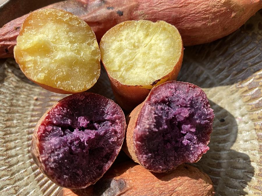サツマイモは2色、どんな味なのか食べるのが楽しみです